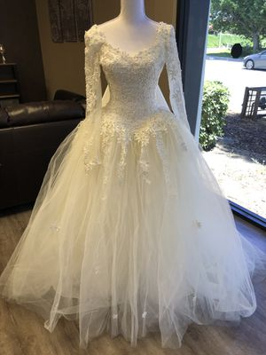 Wedding Dress Lace for Sale in Los Angeles, CA