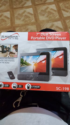 """S.S. 7"""" Portable Dual screen D V D for Sale in New Port Richey, FL"""