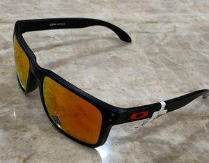 Oakley Holbrook Sunglasses Authentic for Sale in TWN N CNTRY, FL