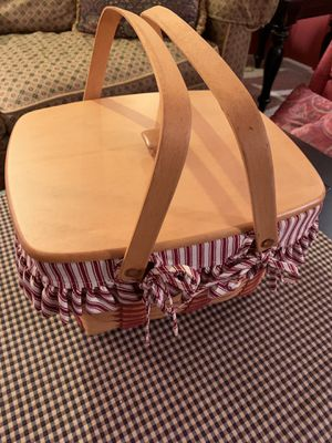 Longaberger Handwoven Cherished Memories 1998 Basket for Sale in Tacoma, WA