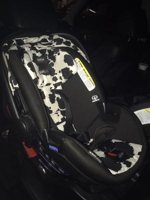 Britax Ultra Safe Cowmooflage Infant Car seat for Sale in Scottsdale, AZ