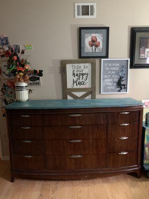 Dresser for Sale in HUNTINGTN BCH, CA
