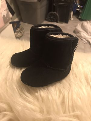 Baby girl black boots 0-6 months for Sale in Houston, TX