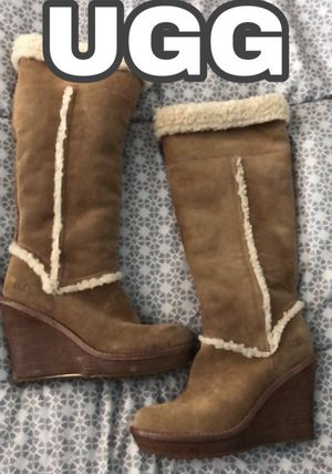 100% AUTHENTIC UGG WEDGE BOOTS for Sale in Las Vegas, NV