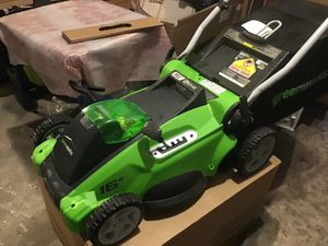 """Greenworks 40 volt 16"""" lawn mower new never used the original box comes with accessories 1 battery & 1 charger new works great for Sale in Las Vegas, NV"""