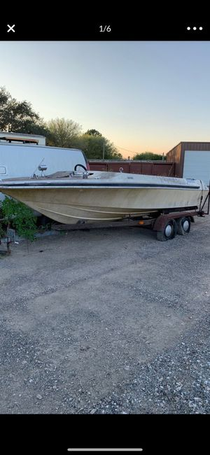 Free. Boat and trailer for Sale in Pearland, TX