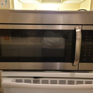 Frigidaire Microwave for Sale in Modesto, CA