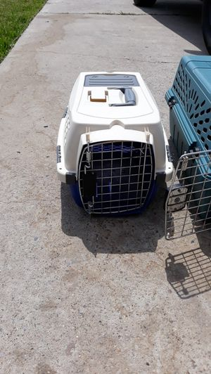Dog Portable kennels small and medium for Sale in Brownsville, TX