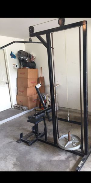 NAUTILUS Latt tower pull down weight machine for Sale in Houston, TX