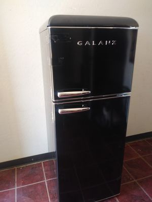 New Black GALANZ Refrigerator for Sale in Phoenix, AZ