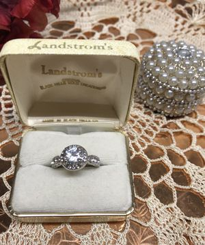 Sterling silver white Sapphire Engagement Ring 💍 Sz7 for Sale in Addison, IL