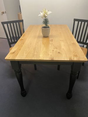 Solid wood dining table for Sale in Salt Lake City, UT