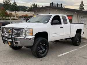 2013 Chevrolet Silverado 1500 hd 4x4 lifted 80k for Sale in Edmonds, WA