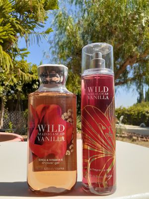 BATH & BODY WORKS WILD MADAGASCAR VANILLA BODY SPRAY MIST & SHOWER GEL SET for Sale in Los Angeles, CA