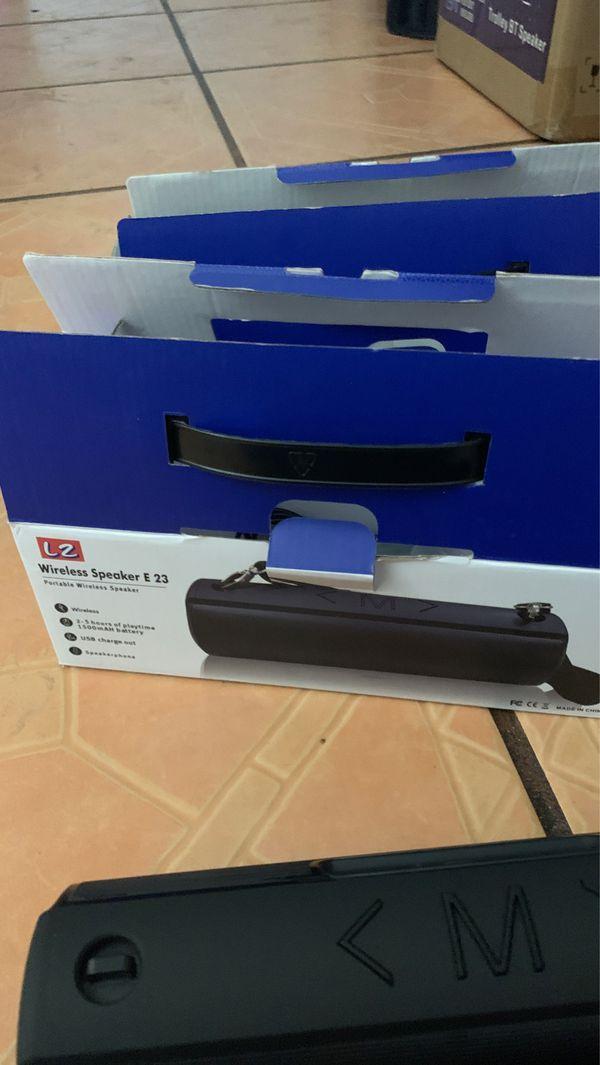 Brand new speaker waterproof speaker Bluetooth only for 40 bucks each brand new