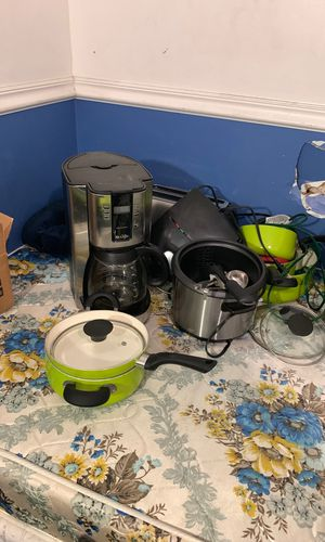 Kitchen appliances need gone! for Sale in Lake Worth, FL
