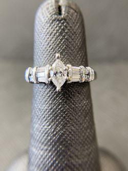 Platinum Engagement Wedding Ring for Sale in Miami,  FL