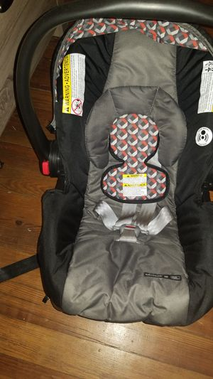 Baby car seat for Sale in Adams, TN