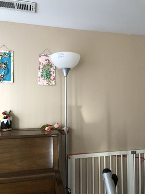 Floor lamp for Sale in Naperville, IL