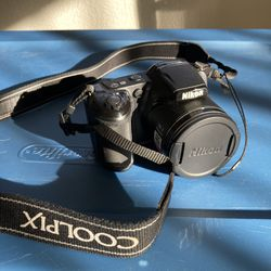 Nikon Coolpix L320 & Camera Bag for Sale in Vancouver,  WA