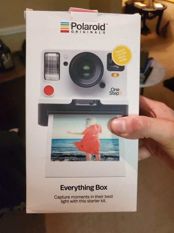 "Polaroid Onestep 2 ""Everything Box"""