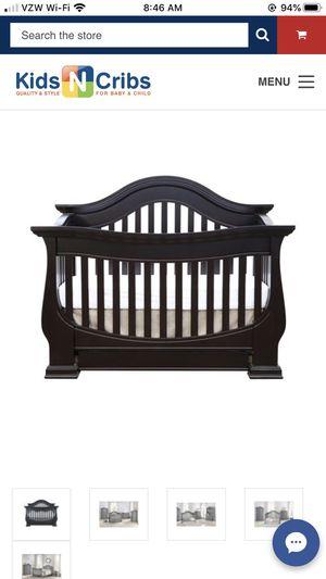 Crib , Hutch, diaper changing station for Sale in Murrieta, CA