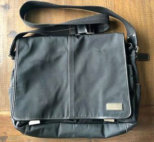 Coach Messenger Bag - black for Sale in Puyallup, WA