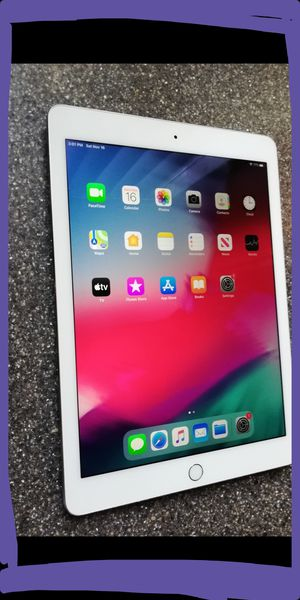 Apple iPad Air 2 16gb fully functional with accessories 9.7 inch screen with Retina display for Sale in San Gabriel, CA
