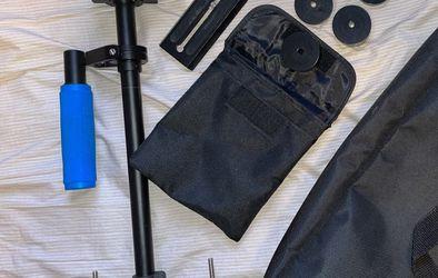 NEWEER DSLR Camera Stabilizer for Sale in Greer,  SC