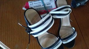 Shoedazzle Shatner size 6 sandial heels for Sale in Phoenix, AZ