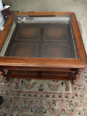 Large Wood & Glass Topped Coffee Table/Living Room Furniture for Sale in Huntington Beach, CA