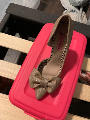 Betsey Johnson heels size 5.5 for Sale in Downey, CA