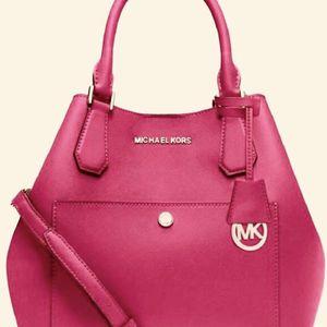 New- Michael Kors Greenwich Medium Bag for Sale in Diamond Bar, CA