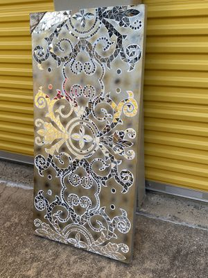 Mirrored Wall Art - no red on the picture for Sale in Arlington, TX