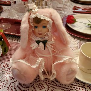 BEAUTIFUL PORCELAIN BUNNY DOLL for Sale in Orlando, FL