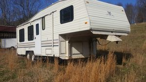 Fleetwood 5th wheel camper for Sale in Winston-Salem, NC