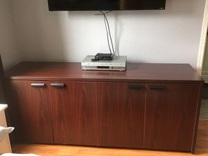 Cabinet for Sale in Hubbard, OR