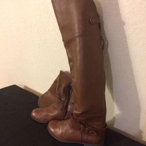 Over the knee boots. Aldo shoes. Still brand new. $25 or best offer. Come get them fast.💐 for Sale in Riverside, CA