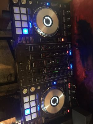 Ddj sx2 with all wires for Sale in New York, NY