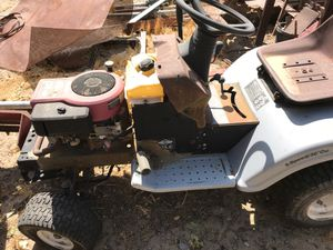 Non-Working Tractor Lawnmower For Sale - Great For Parts! for Sale in Juniper Hills, CA