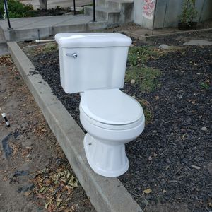 Toilet for Sale in Antioch, CA