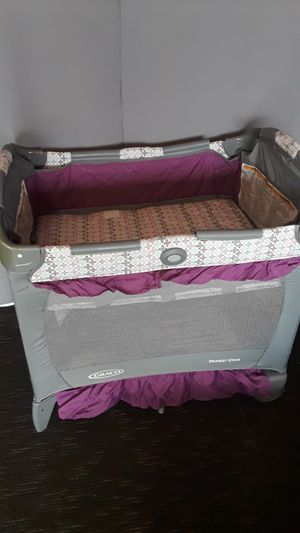 Graco travel baby playpen, never use. for Sale in Riverside, CA