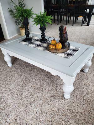 Coffee table for Sale in Edgewood, WA