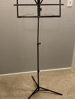 ChromaCast music stand w/ carrying case for Sale in Tukwila,  WA