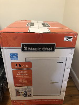 BRAND NEW IN BOX Magic Chef 2.6 cu. ft. Mini Fridge in White ENERGY STAR Refrigerator for Sale in Enfield, CT