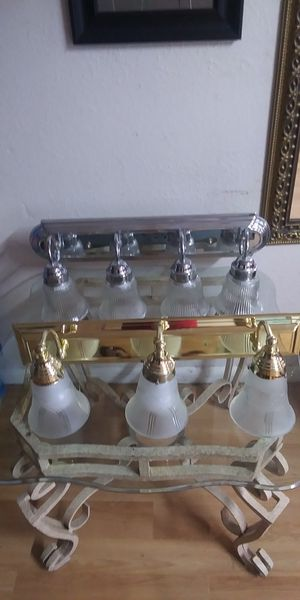 2 bathroom lamp for Sale in Fort Myers, FL