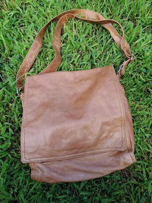 LEATHER MESSENGER CROSSBODY BAG for Sale in Avon, MA