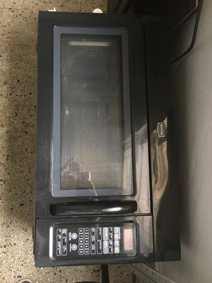 Maytag conventional microwave oven for Sale in HALNDLE BCH, FL