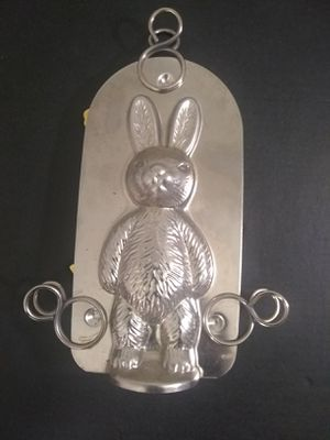Used, TENDER HEART TREASURES LIMITED STANDING RABBIT CHOCOLATE /CANDY MOLD for Sale for sale  Tucson, AZ