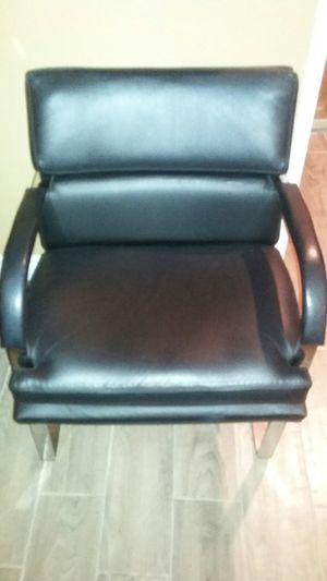(4) Fortress, Inc. England Side Chairs for Sale in Carson, CA